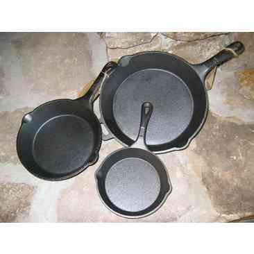 Old Mountain cast iron skillet