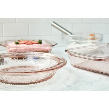 Laurel Embossed™ Bakeware